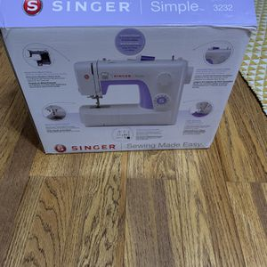 Singer Sewing Machine for Sale in Fullerton, CA