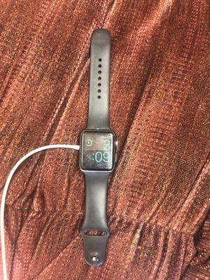 Apple Watch series 1 w/ charger and extra bands for Sale in Oak Glen, CA