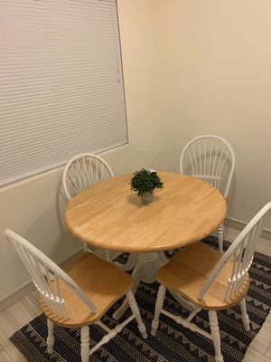 Wood kitchen table and chairs set for Sale in Atherton, CA