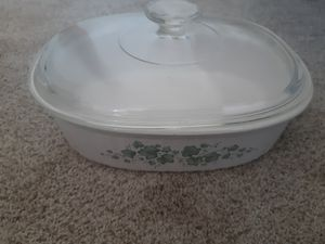 Pyrex casserole dish with glass lid for Sale in Gresham, OR
