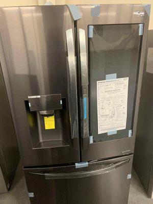 LG Fridge 29.7 cu. ft. French Door Refrigerator, InstaView Door-In-Door, Dual Ice w/ Craft Ice for Sale in Whittier, CA