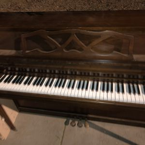 Piano Free Curb Side for Sale in Phoenix, AZ