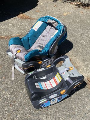Free Chicco Keyfit 30 infant car seat for Sale in Seattle, WA
