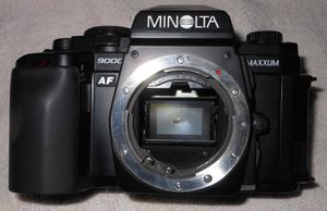 MINOLTA MAXXUM 9000 BODY w/PROGRAM BACK PARTS!!! for Sale in Montclair, CA