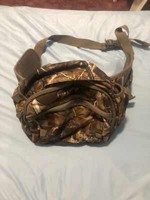 Hunting bag 2 pockets for Sale in North Ridgeville, OH