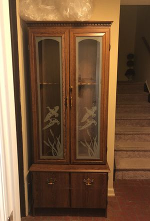 Antique Gun cabinet for Sale in Gaithersburg, MD