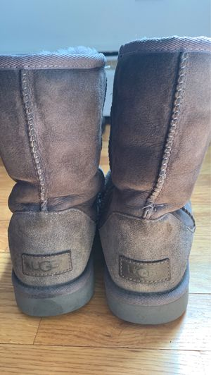 Size 6 ugg boots for Sale in Gaithersburg, MD