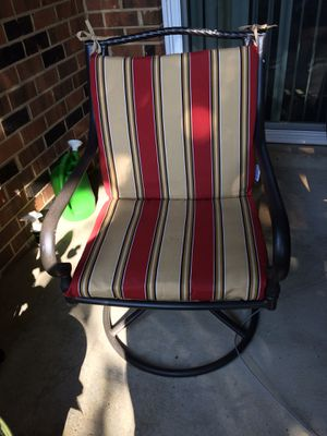 Patio Set in excellent condition with 4 swivel chairs REDUCED THIS WEEKEND $375 for Sale in Springfield, VA