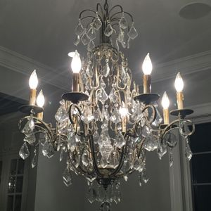 Ethan Allen Eight Light Olympia Chandelier for Sale in Traverse City, MI