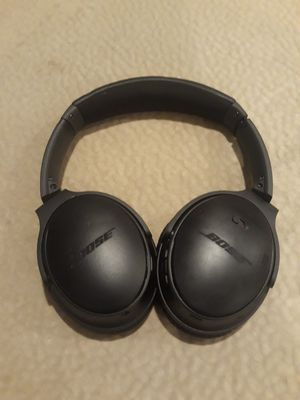 BOSE NOISE CANCELLING QC 35 II BLUETOOTH HEADPHONES for Sale in Glendale, AZ