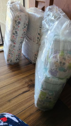 Pampers size 3 for Sale in Pico Rivera, CA