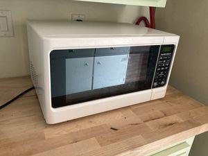 Hamilton Beach Microwave for Sale in Santa Cruz, CA