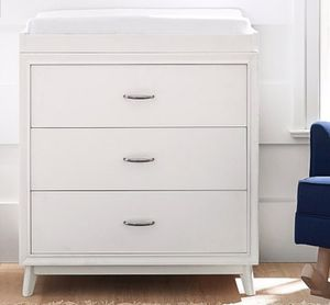 Reese dresser & topper set for Sale in Temple Hills, MD