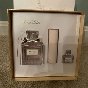 Miss Dior Gift Set for Sale in Woodbridge, VA
