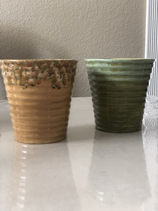 2 vases for flowers