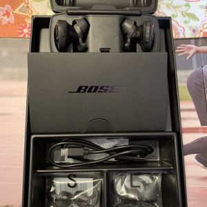 BOSE SOUNDSPORT' WIRELESS EARBUDS for Sale in Whittier, CA