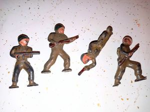 4 vintage soldiers for Sale in Arlington Heights, IL