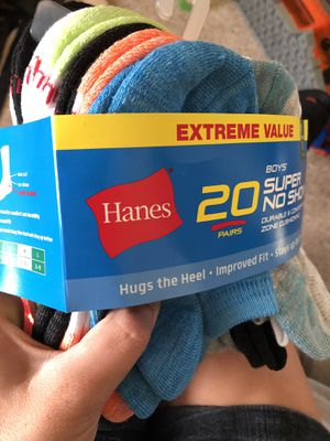 20 pack of boys socks size medium 9-2.5 for Sale in Battle Ground, WA