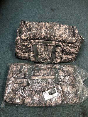 Mercury wheeled military duffle bag large camo for Sale in Virginia Beach, VA