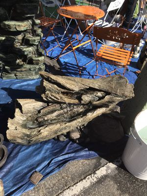 Log fountain with lights for Sale in Bell Gardens, CA