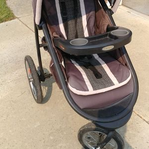 Jogging stroller for Sale in Gilroy, CA