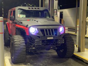 Dv8 heat hood avenger style Jeep Wrangler for Sale in Miami, FL
