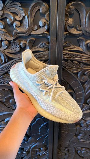 Adidas Yeezy boost 350 V2 Citrin non reflective Size 9 for Sale in Naperville, IL