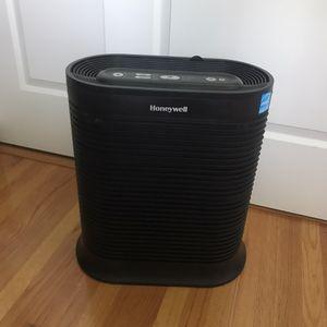 Honeywell Hepa Air Purifier Black for Sale in Whittier, CA