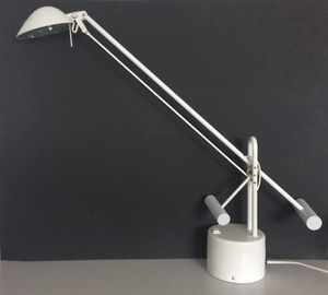 """LAMP 25"""" (cost $150.00-see 2'nd photo) for Sale in Pittsburgh, PA"""