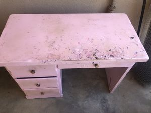 Solid wood desk needs repaint otherwise good condition for Sale in Fresno, CA