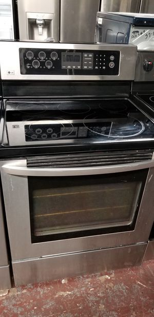 Lg electric glass top stove stainless steel for Sale in San Antonio, TX
