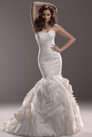 Maggie Soltero Wedding Dress for Sale in Phoenix, AZ