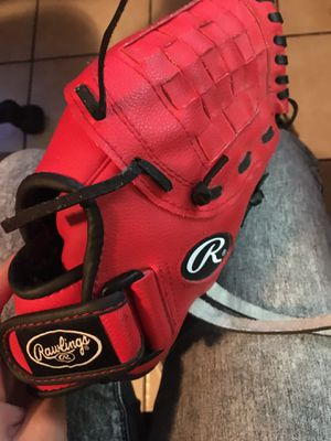 Rawling baseball glove barley used good condition for Sale in Modesto, CA