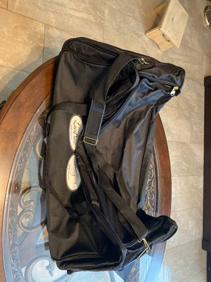 Large duffle - Travel bag with wheels for Sale in Fontana, CA