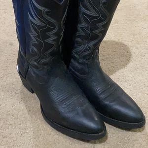 Justin Cowboy Boots-men's for Sale in Sloan, NV