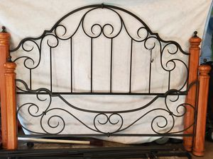 King size iron/wood bed frame w/sheets for Sale in Reinholds, PA