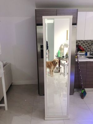 Beautiful 360 floor length mirror and shelf space with a drawer for Sale in Miami, FL