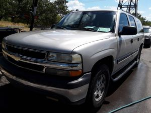 2005 Chevy Suburban New Tires Super Clean Cold AC 3rd Row Runs Smooth All Power Clean Title for Sale in San Antonio, TX