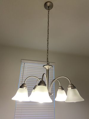 Dining room Chandelier for Sale in Georgetown, TX