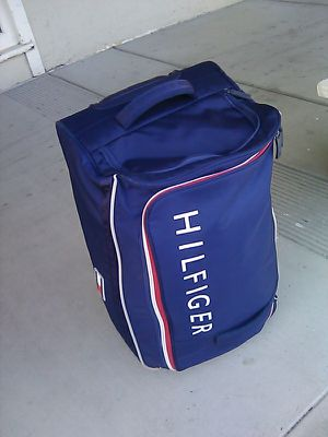 Tommy Hilfiger rolling bag for Sale in Newark, CA