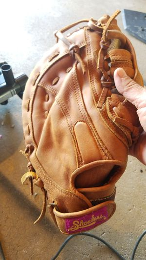 Shoeless Jane first base girls softball glove for Sale in Hanover Park, IL