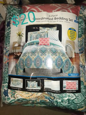 twin size 8pc bed set for Sale in Columbus, OH