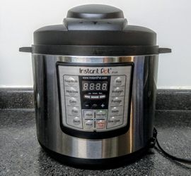 Instant Pot Duo80 for Sale in Durham,  NC