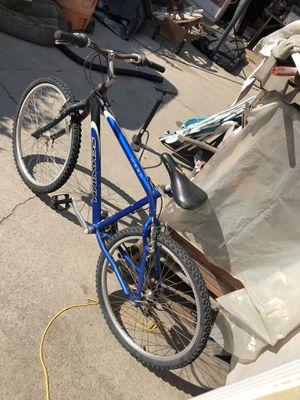 Shwinn mountain bike for Sale in Whittier, CA