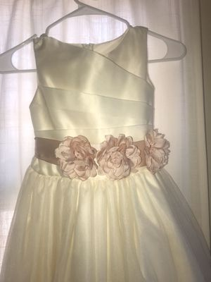 Flower girl dress size 10 for Sale in Los Angeles, CA