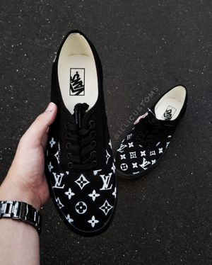LV black van authentic for Sale in Chicago, IL