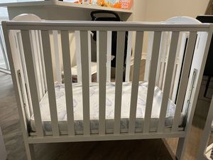 MINI Crib Baby Crib for Sale in Hialeah, FL