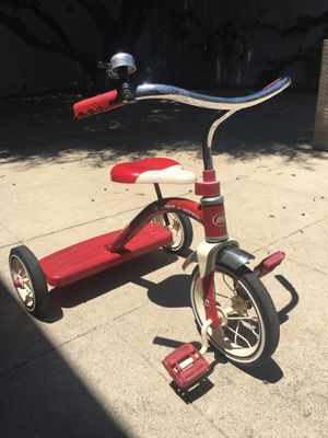 Radio Flyer Red Tricycle for Sale in Los Angeles, CA