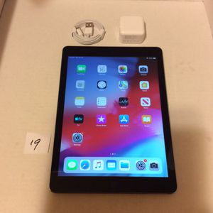 "Apple iPad Air 1st,64gb,WiFi 9.7""Gray/Black ,A1474,Clean iCloud,Fully Functional,Good condition, for Sale in San Leandro, CA"