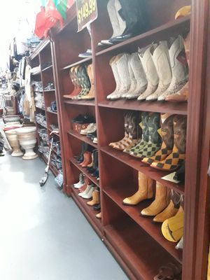 Lethet boots for Sale in Los Angeles, CA